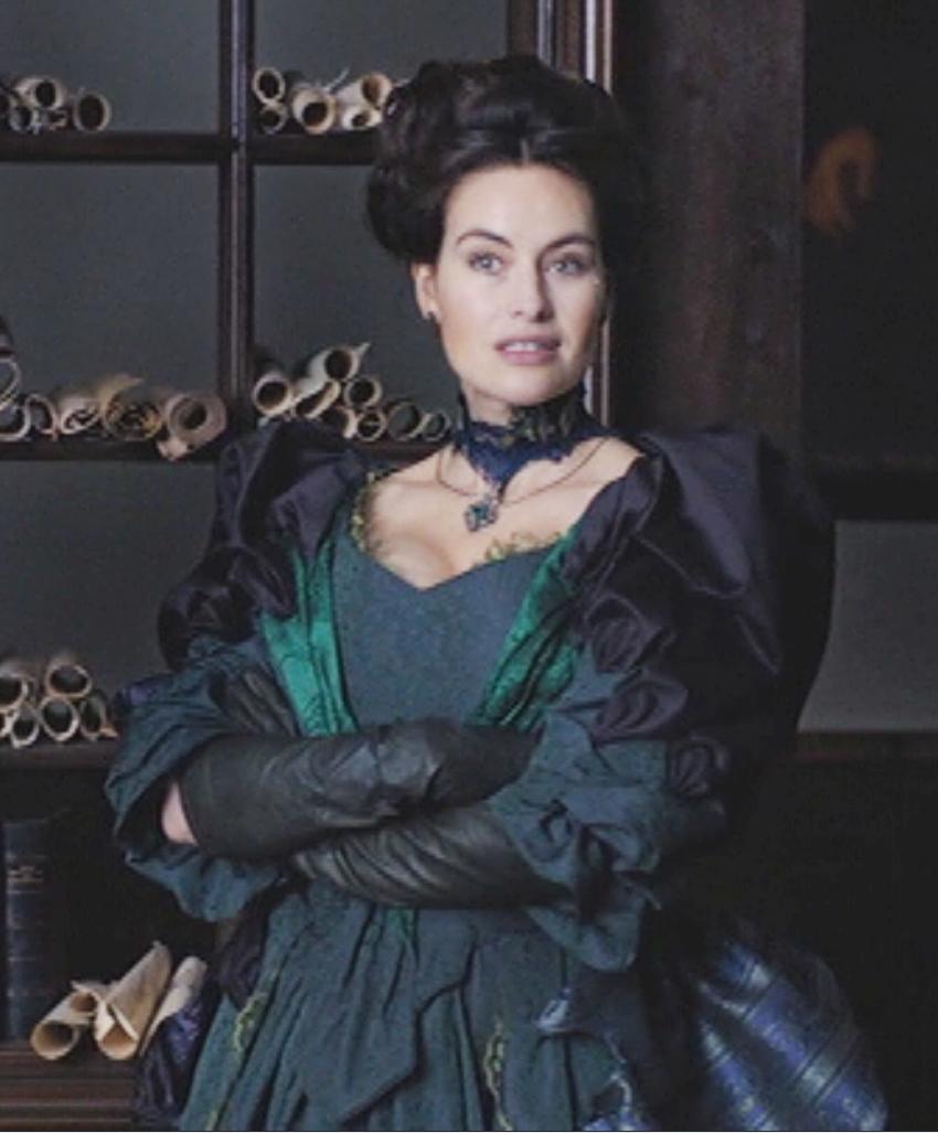 289e4e57e380 Plus élégante que jamais  ) Milady the return  more elegant than ever  )
