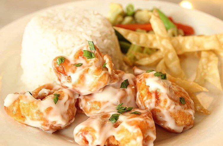 Bingung mau makan siang apa Cobain deh Nasi udang Mayonaise ala waroenkkito  Dijamin Segera pesan dan hubungi free delivery 0878 8667 3072 WA tersedia Jam Buka  10002200...