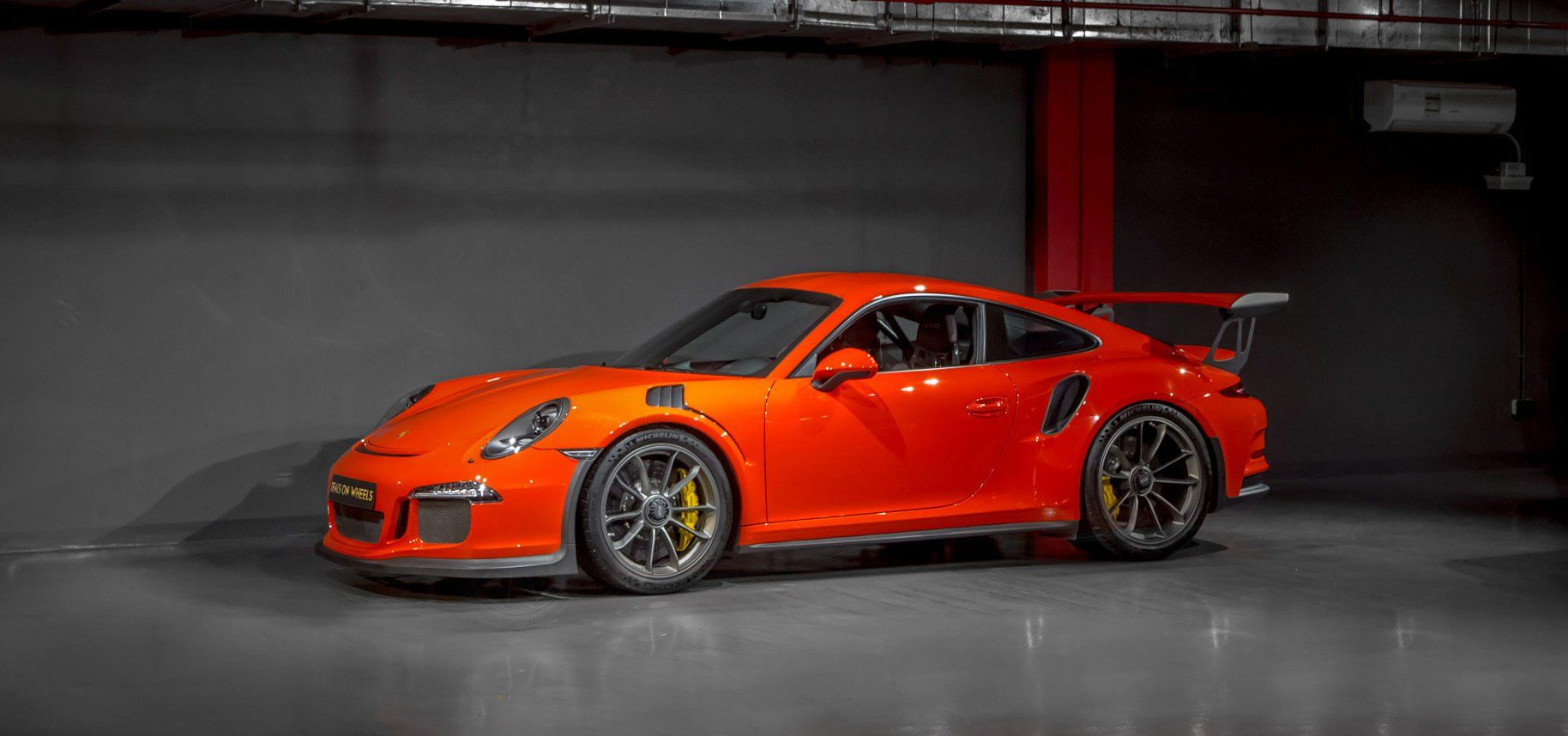 Now Available At Deals On Wheels Main Showroom Branch Beside Oasis Centre Exit 46 Sheikh Zayed Road Dubai Uae Tel 043387 Porsche 911 Gt3 Gt3 Rs Porsche 911