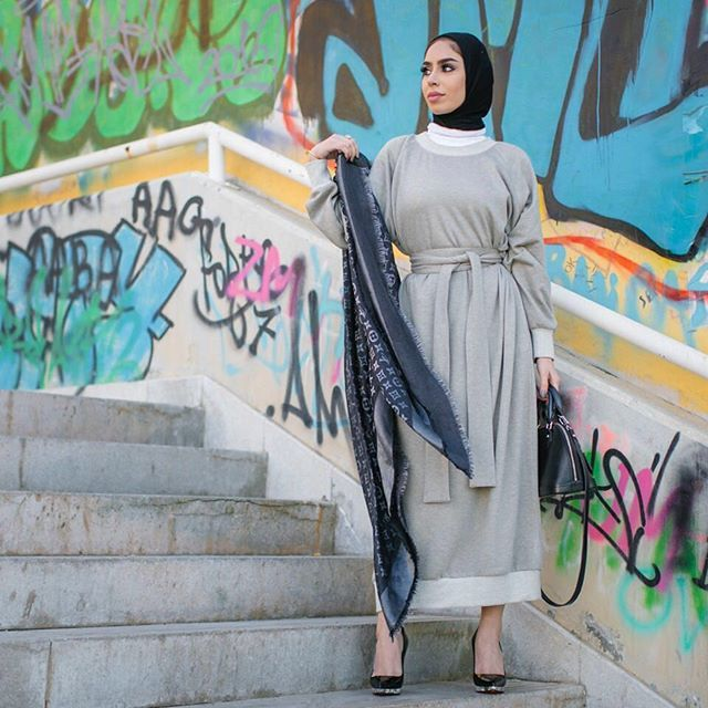 و دعيت لك تحت المطر تبقى لي عمر Dress Dar Mem Scarf Bag Louisvuitton Heels Louboutinworld Fashion Instagram Posts Instagram