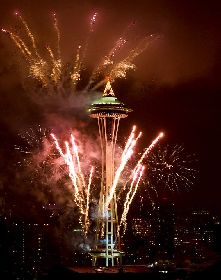 """The Seattle """"Space Needle"""" (1962), at New Year 2010. Photo ..."""