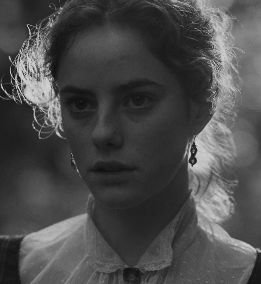 azalea kaya scodelario wuthering heights entwined  wuthering heights edgar linton wuthering heights images catherine earnshaw and