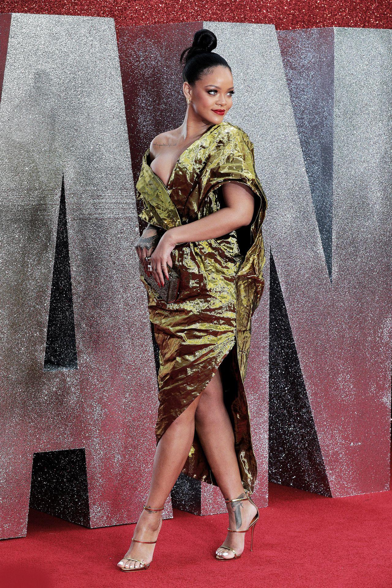 "ocean's 8 european premiere, london""   rihanna red carpet"