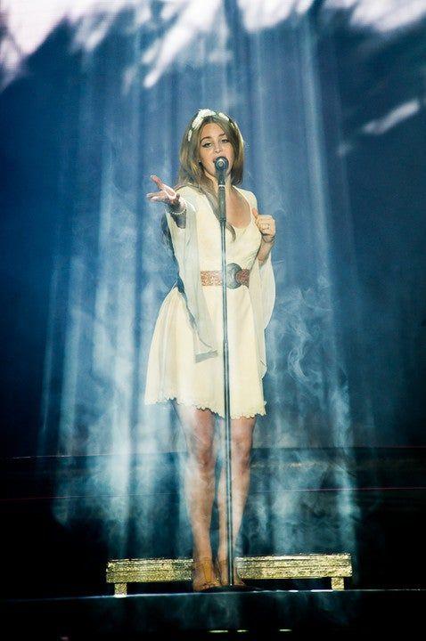 Angelic Shot of Blonde LDR. : lanadelrey