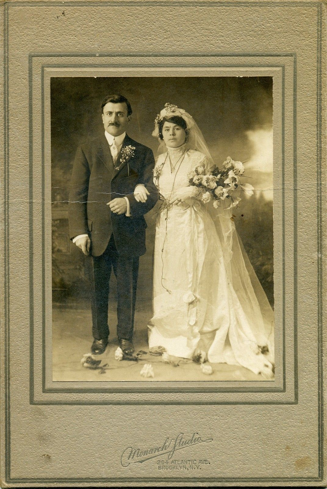 Beautiful Vintage Wedding Photo Early 1900s Monarch Studios