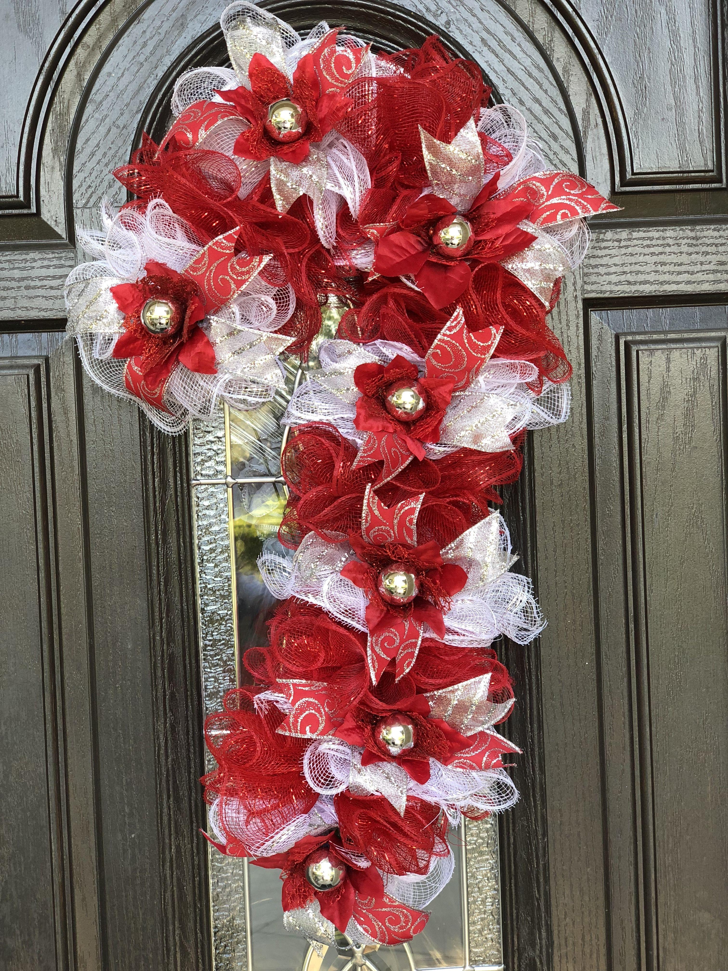 Candy Cane Wreath with Decor Mesh #candycanewreath