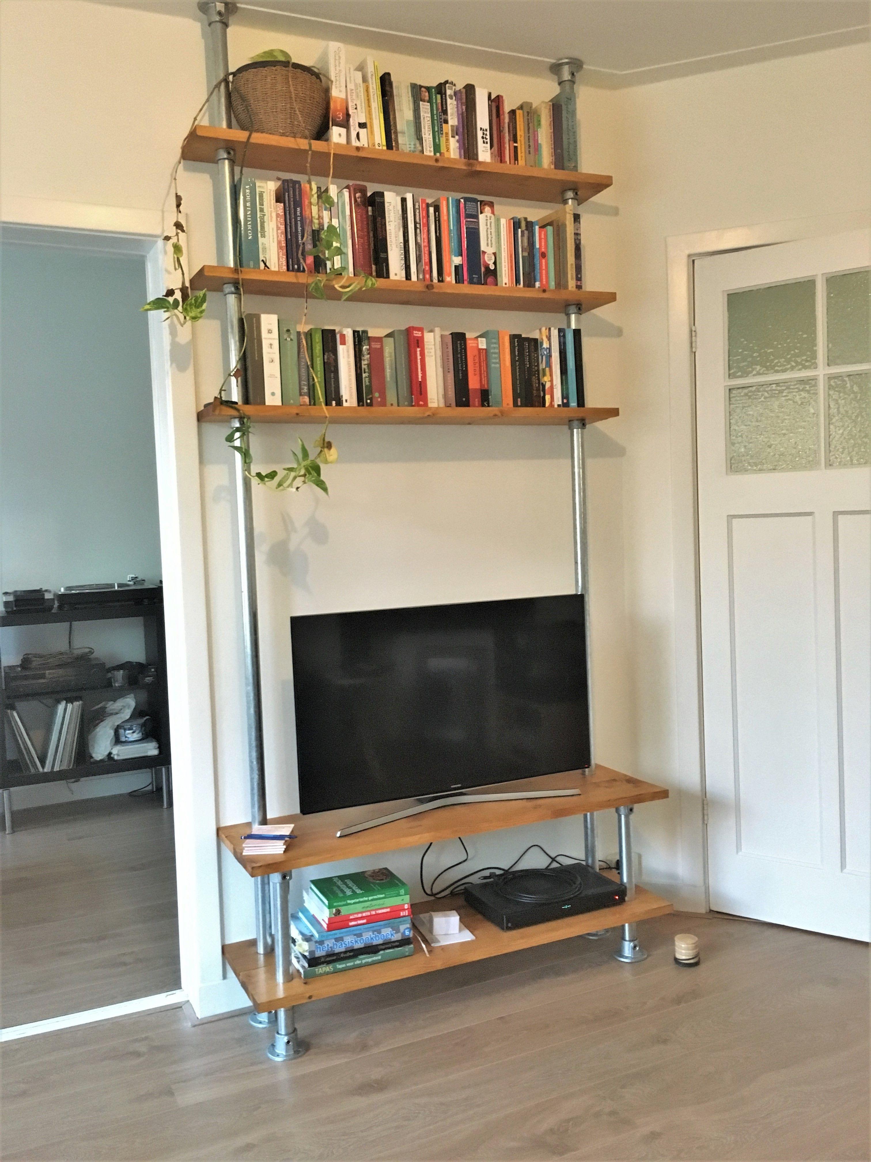 Steigerbuis TV meubel en boekenkast | Kasten - Steigerbuis en ...