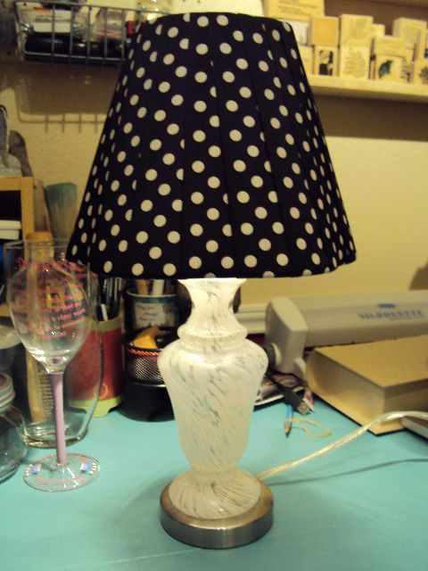 Lamp shade from ribbon! In pink or navy for a baby room