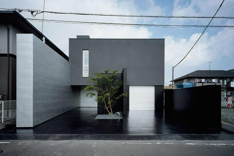 House of depth by form kouichi kimura architects dwell for Minimalist white house by koichi kimura