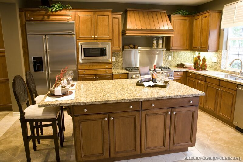 Kitchen Design Ideas For Medium Kitchens traditional medium wood-golden kitchen cabinets #43 (kitchen