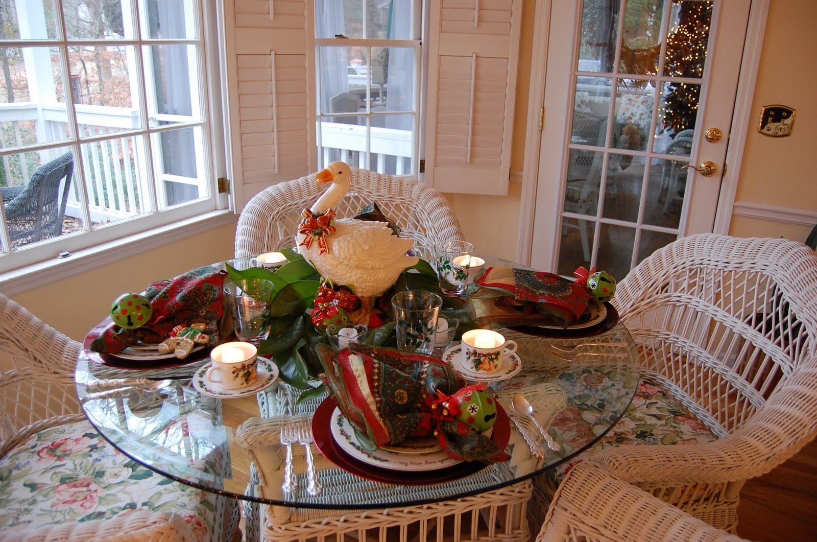 Twelve Days Of Christmas Table Setting Christmas Tablescapes Christmas Table Decorations Christmas Table Settings