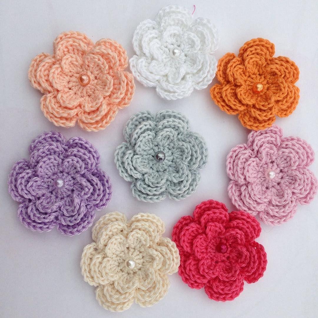 8 gorgeous colours 3-layer crochet flowers. More colours to follow ...