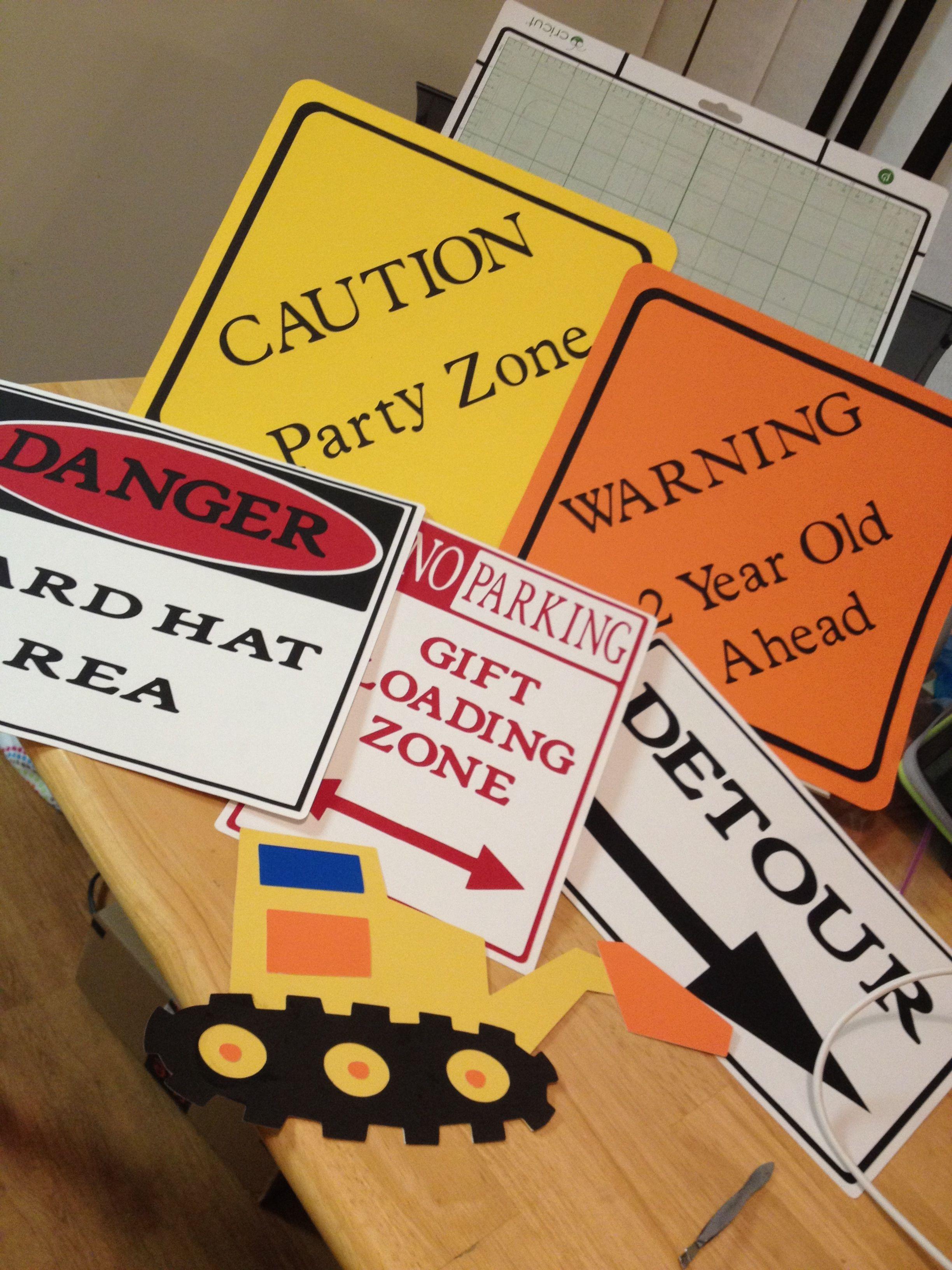 Construction signs using Cricut and Cricut Craft Room
