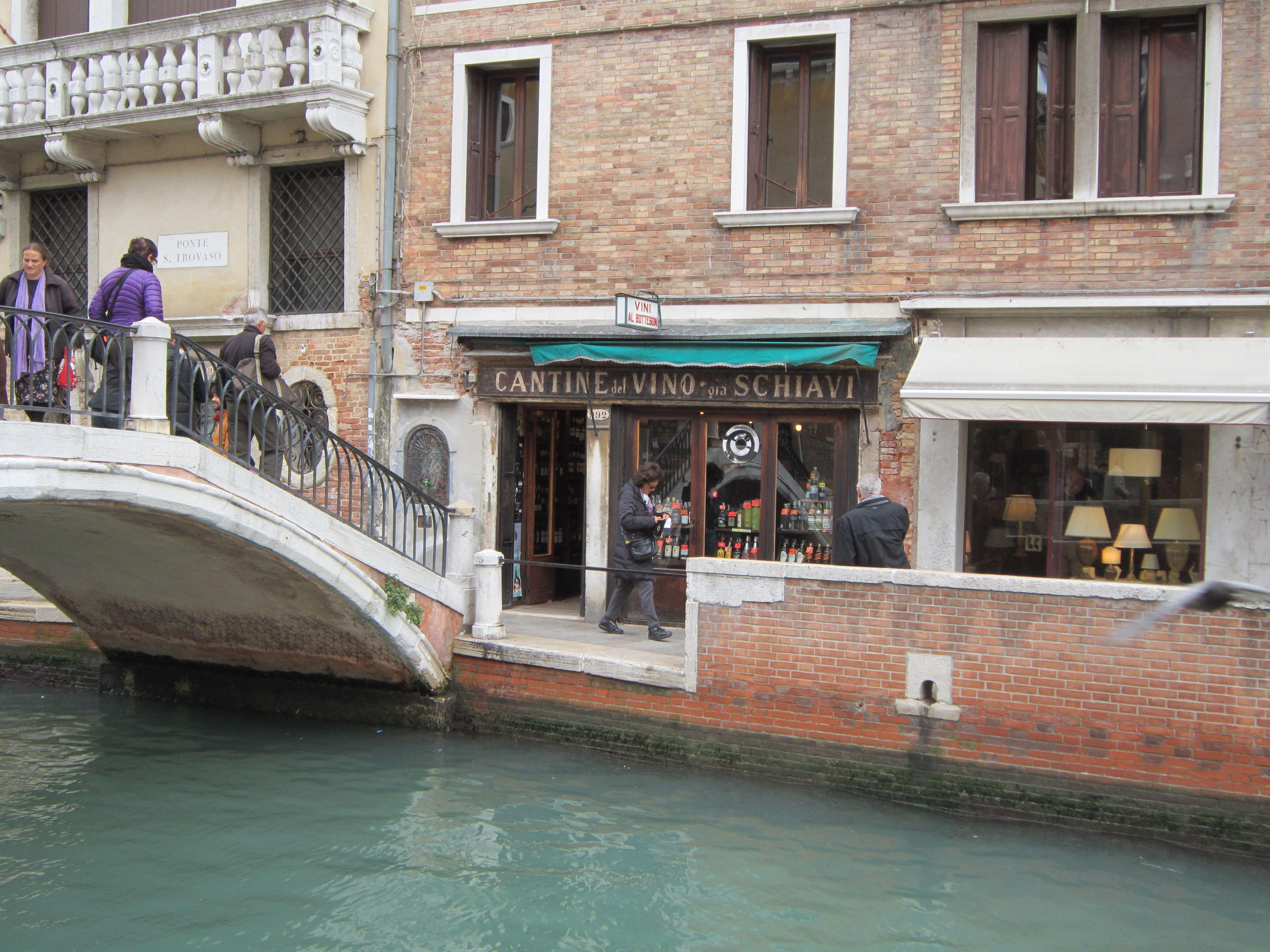 Vini al Boteggon - a must visit in Venice  Check trip advisor for Cantinone Gia' Schiavi