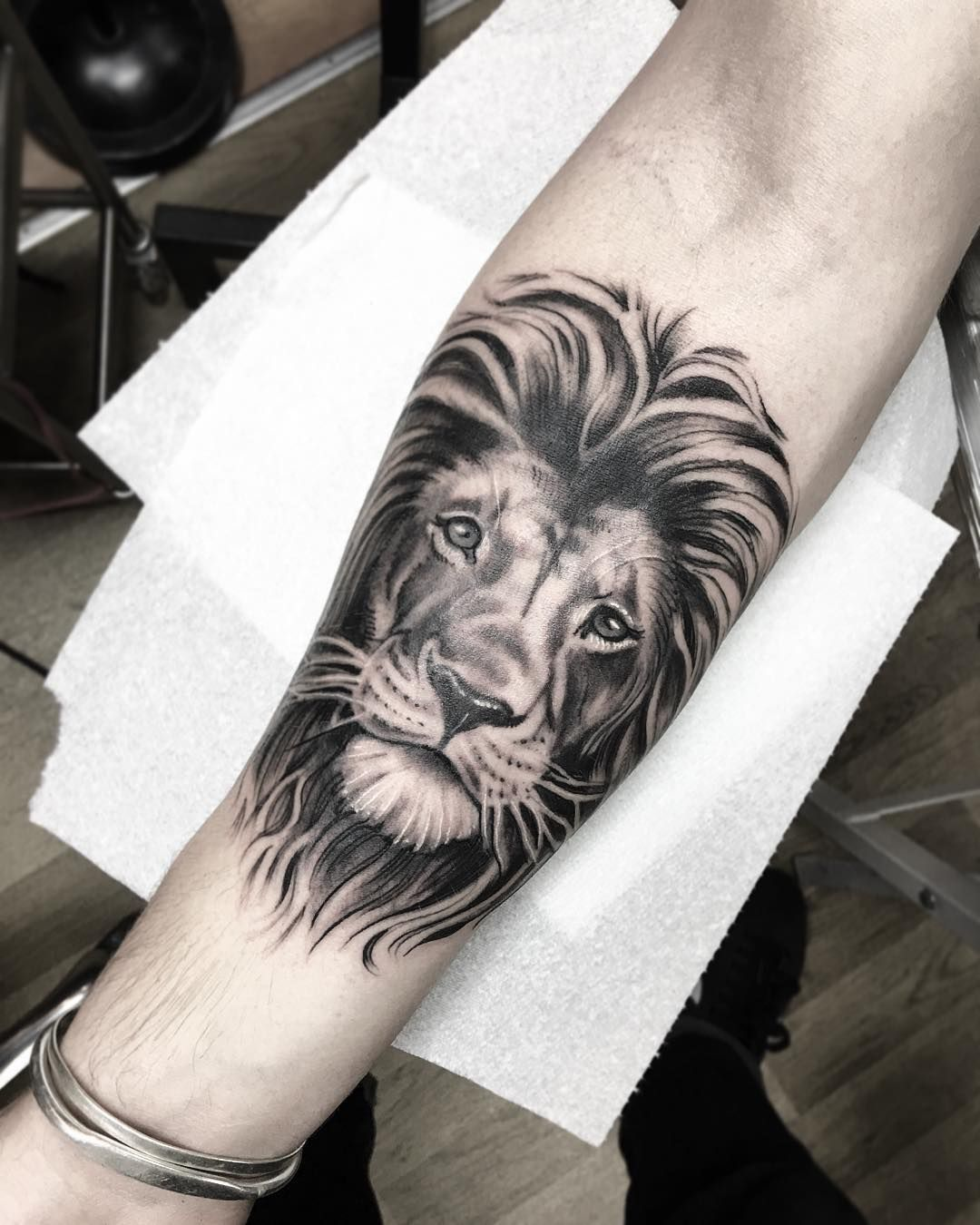 jordanbaxtertattoo: Brighter picture of this Lion I did yesterday ...