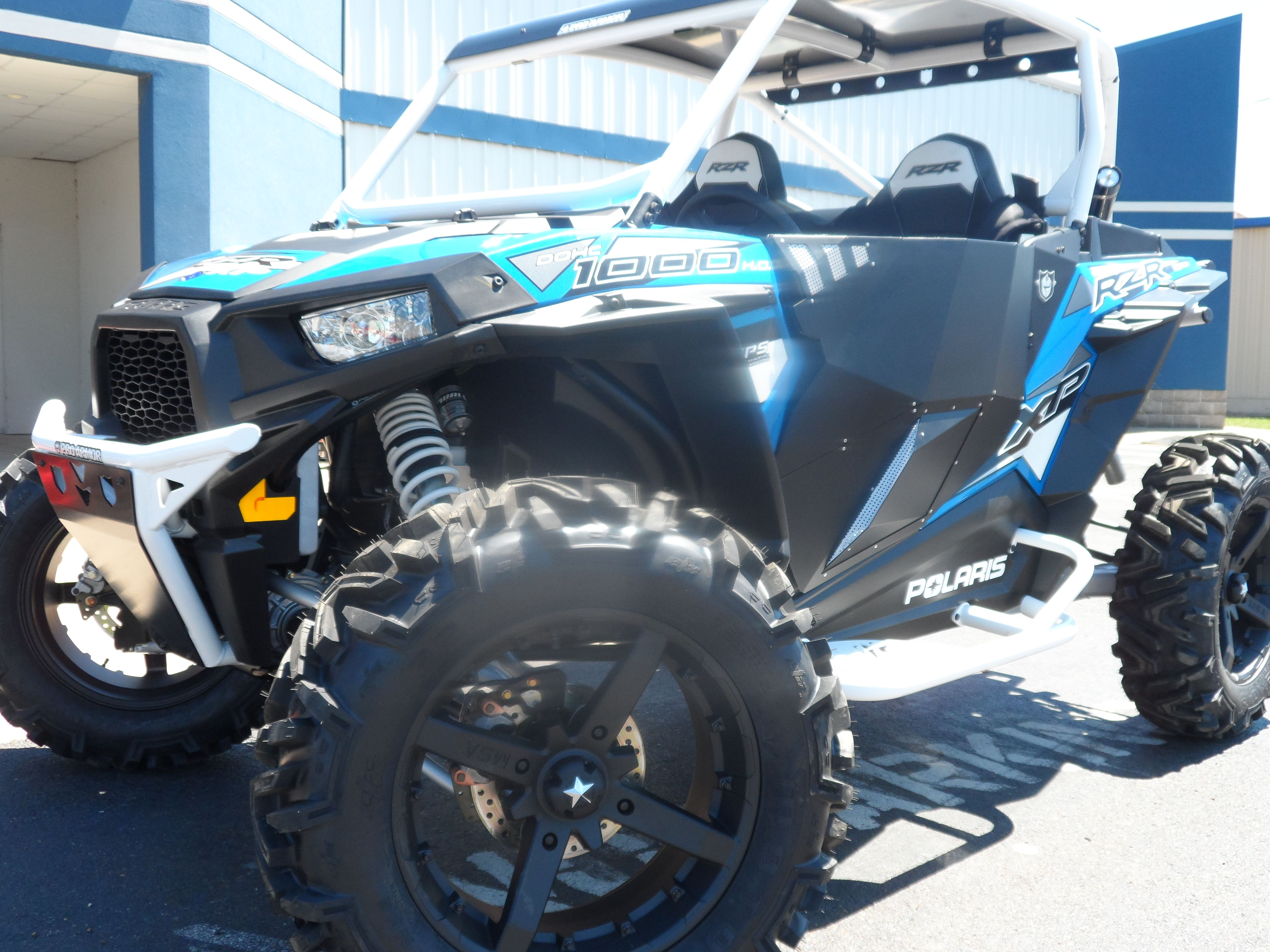 16 Rzr 1k Sittin On 18z W 32z Proarmor White Bumper Chopped Cage Rear Bumper Top Doors And White Rogue Sliders Call To Monster Trucks Rzr Custom Build