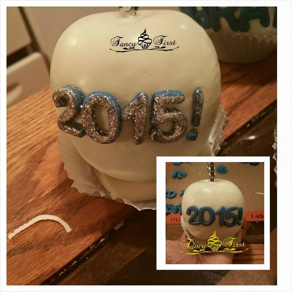 Beautiful Chocolate covered apples Graduation apple with ...