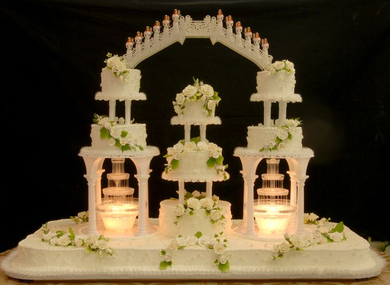 wedding cakes with bridges and fountains big wedding cakes with fountains this cake served approx 25993