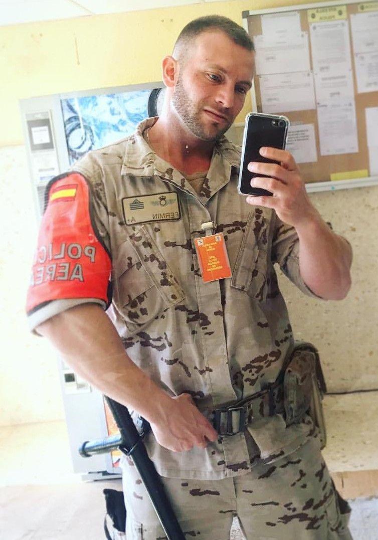 Pin by Brian Ellis on Police Men in uniform, Army & navy