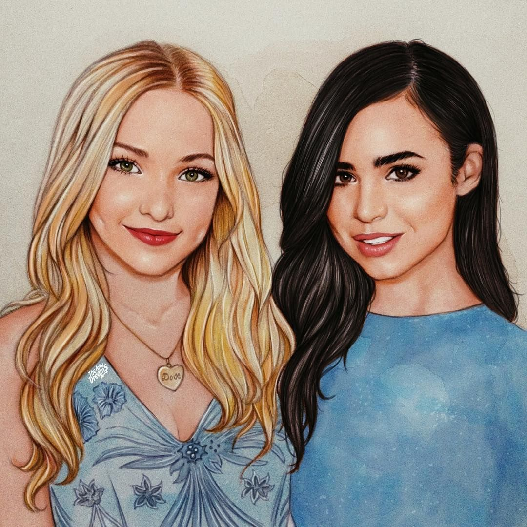 Dove Cameron Drawing While Waiting For Descendants2