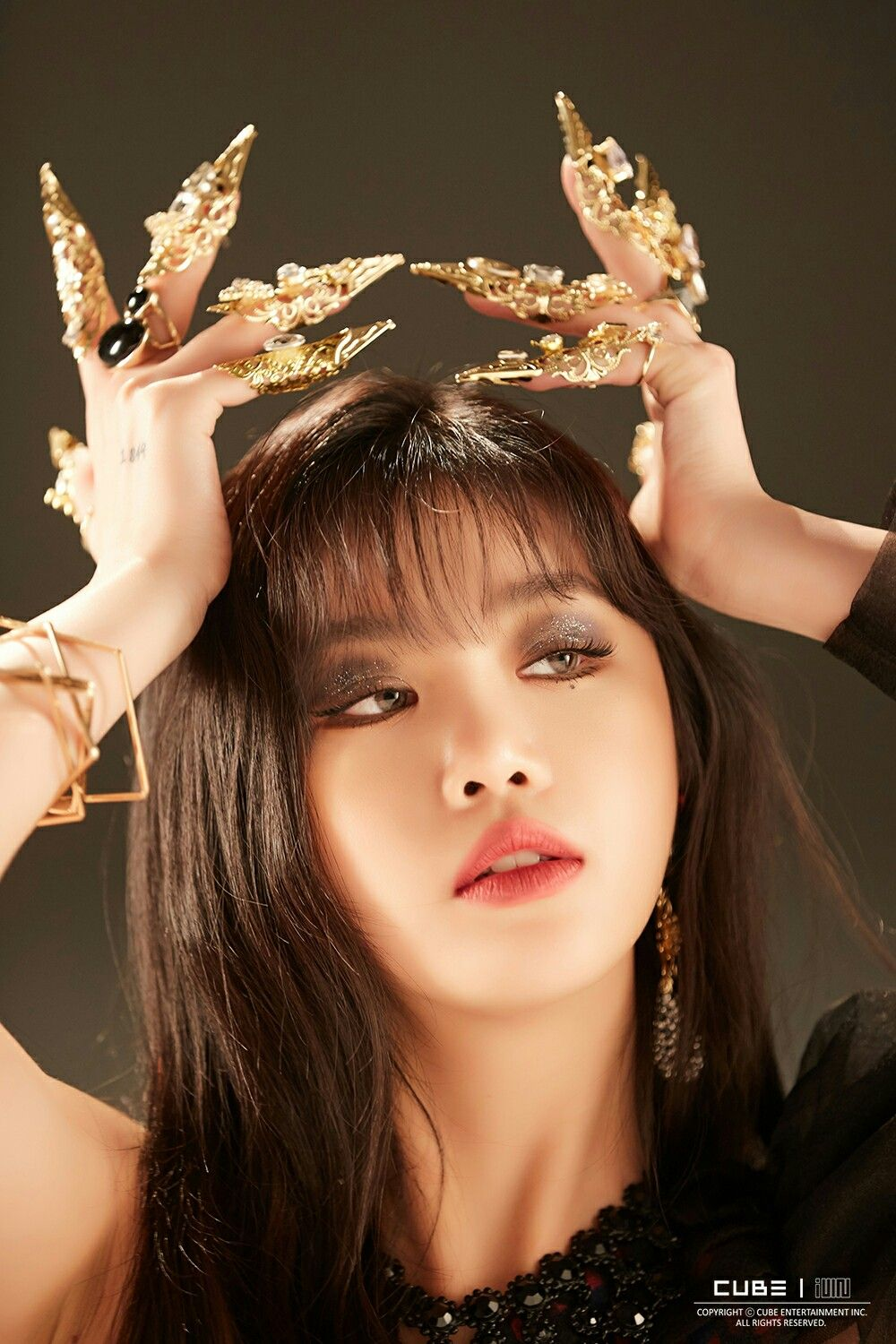 Pin By Yoohyeon S Bangs On G I Dle Idol Kpop Girl Groups Kpop Aesthetic