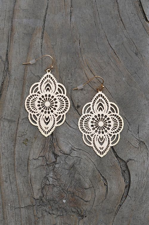 moroccan style earring, laser cut design, gold light-weight earring