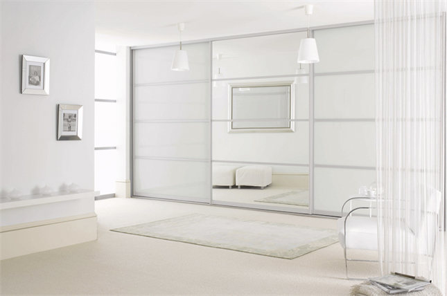 Sliderobes Fitted Sliding Door Wardrobe White Glass With Light