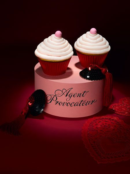 Agent Provocateur inspired cupcakes