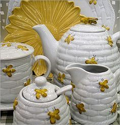 Image result for honey bee dinnerware & Image result for honey bee dinnerware | Honey pots and Bees ...