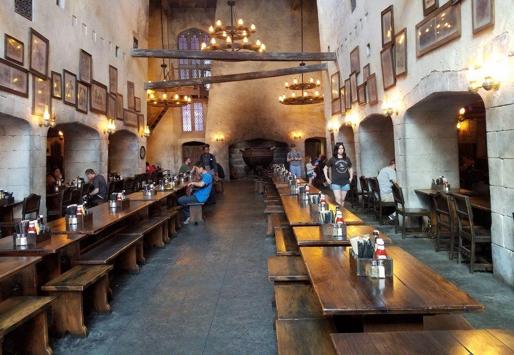 Leaky Cauldron in Diagon Alley