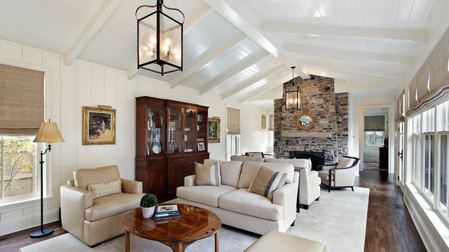 18 Living Room Designs with Vaulted Ceiling Vaulted