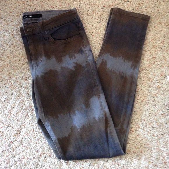 Joes skinny jeans Never worn Joes skinny jeans! Inseam: 29 1/2 inches Joe's Jeans Pants