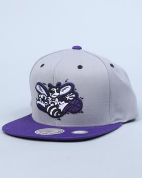 another chance c08bd 0634e Mitchell   Ness - Charlotte Hornets NBA Grey 2 Tone Arch Undervisor Print W   Velcro strap cap