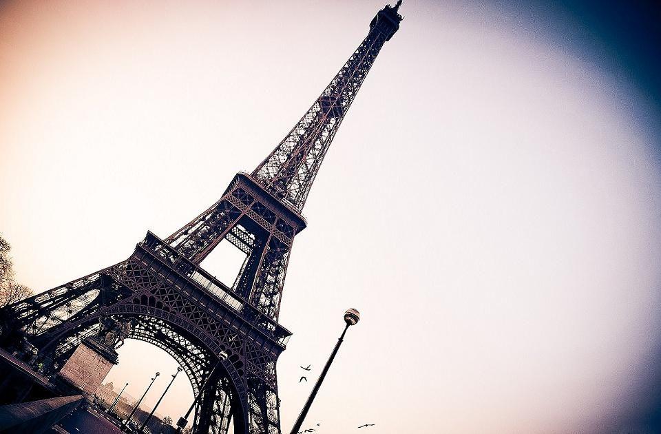 Eiffel Tower Free 3d Desktop Wallpapers Backgrounds Eiffel Tower Pictures France Eiffel Tower Eiffel Tower