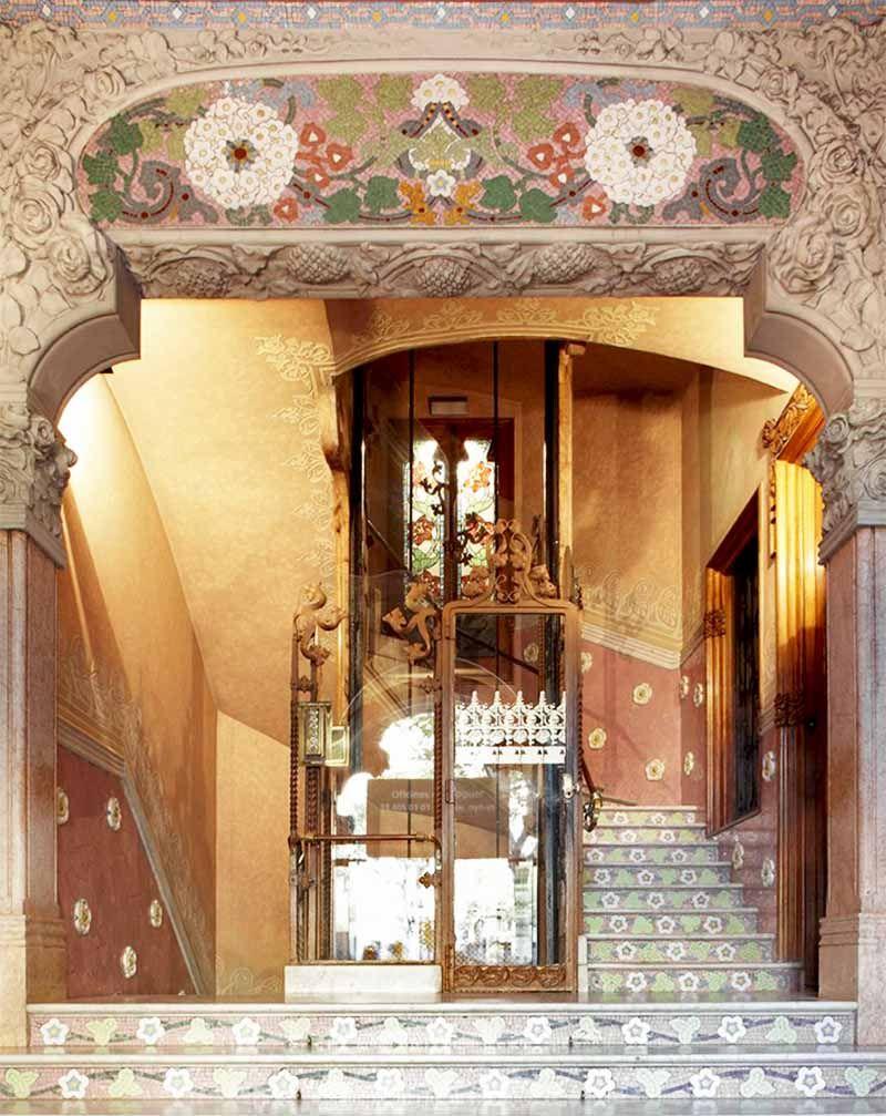 La Casa Lleo Morera Es Una De Las Maravillas Del Modernismo Catalan En Su Terraza The Penthouse Nos Permite Celebrar Ev Modernismo Catalan Morera Modernismo