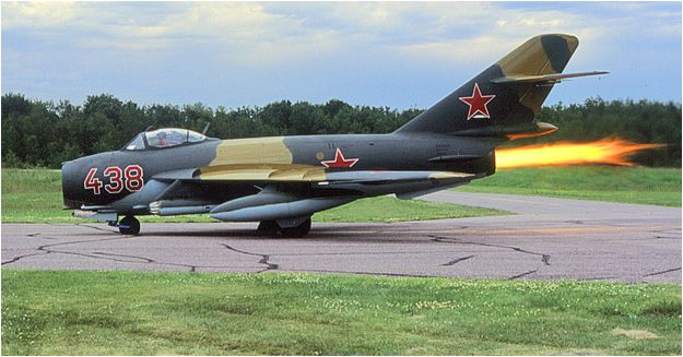 """MiG-17 """"Fresco"""" Lim 6bis"""