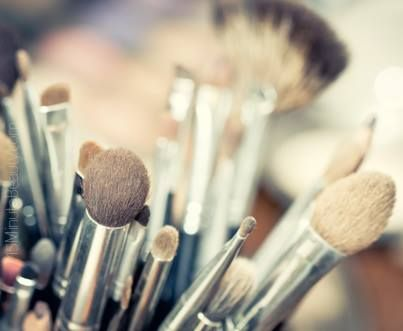 How often do you wash your brushes? #glutesandgloss # ...