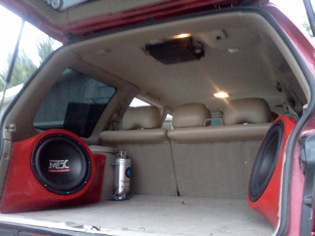 Caleb's 2002 Subaru Forester got some serious bass boost with gear from Crutchfield. #srslyDIY #MTX