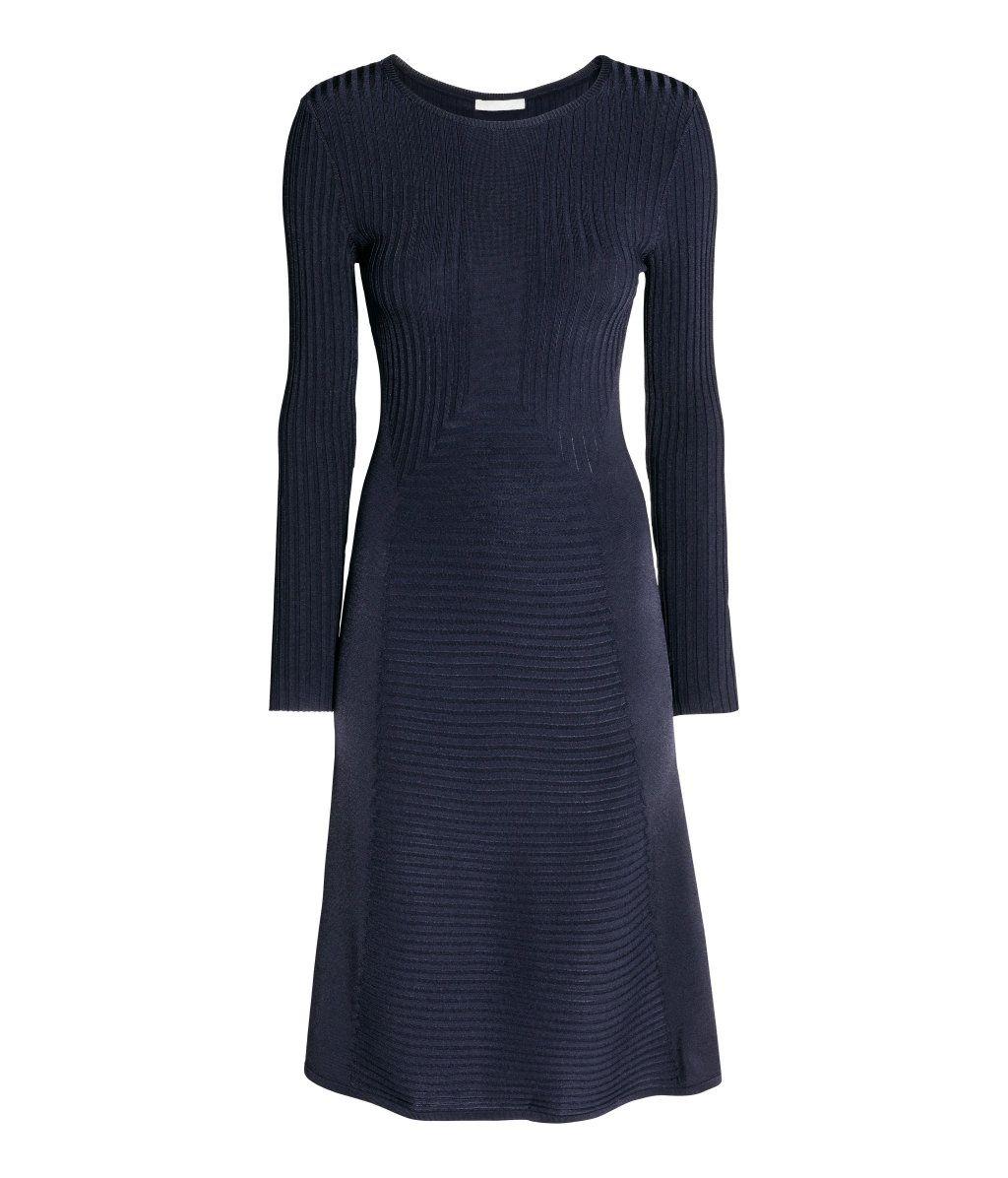 klänning med lång ärm