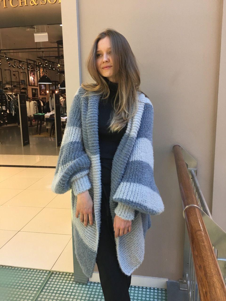 Работа девушка модель для магазина одежды девушка на работе читать