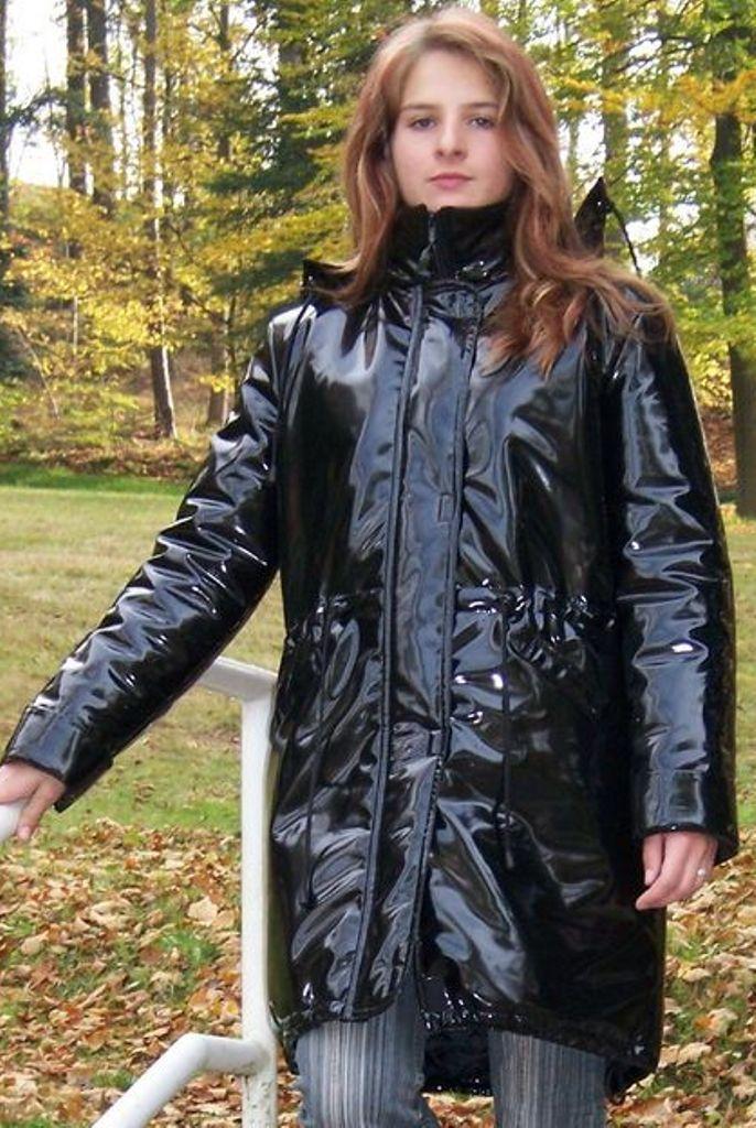 Pvc Raincoat, Black Coats, Rain Coats, Debbie Harry, Cape, Vinyls, Mantle,  Rains Raincoat, Black Pea Coats 735e1edc18