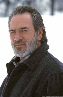 pics of tommy lee jones in the hunted