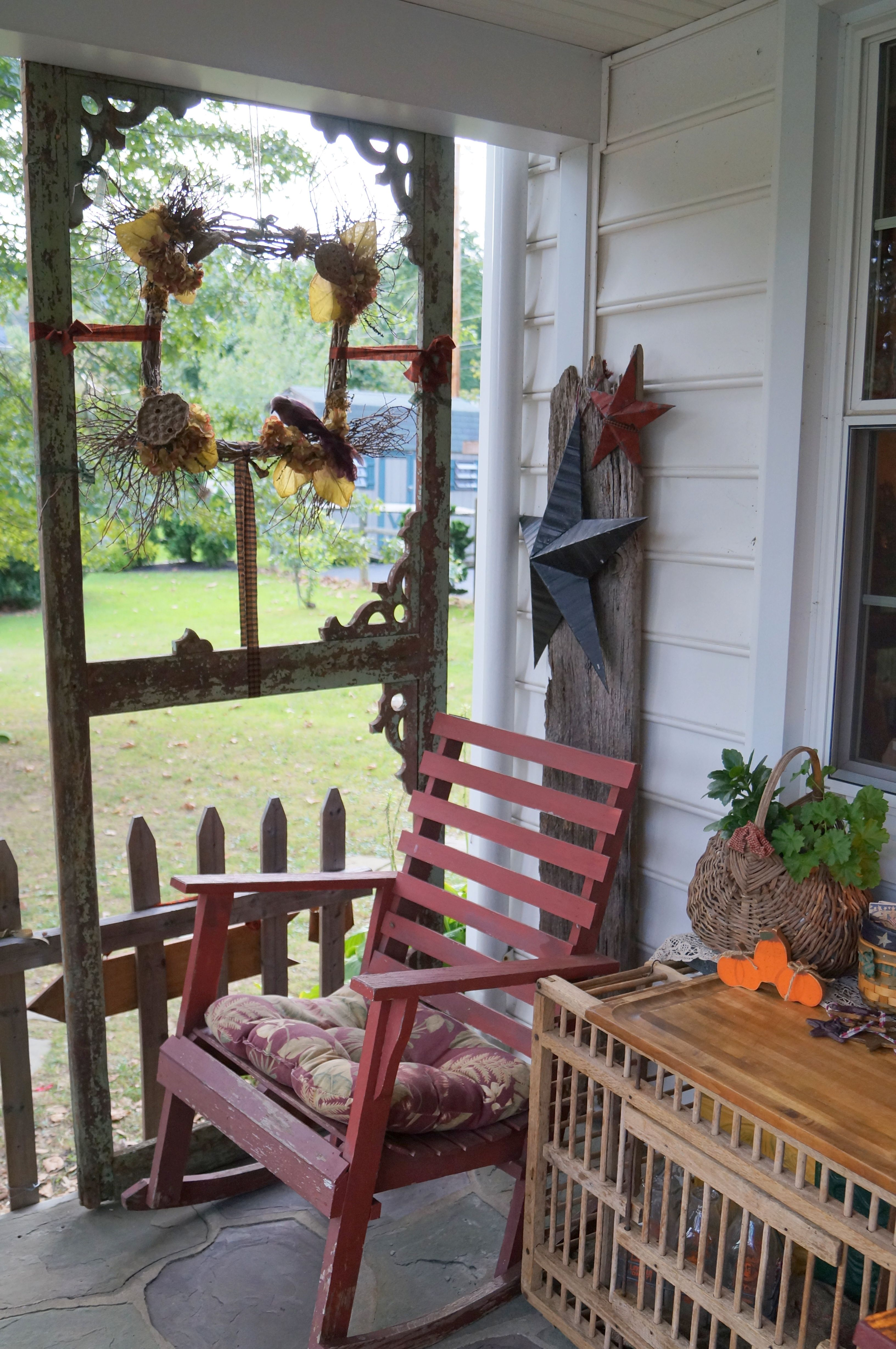 Old screen door for porch privacy outside decorations - Porches para jardin ...