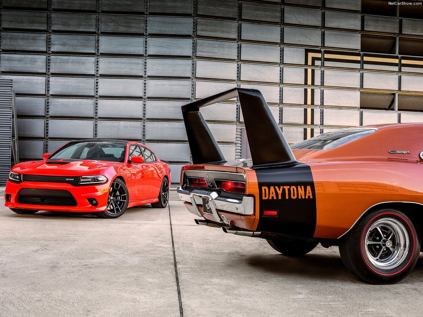 2017 dodge charger daytona 392 left and 1969 dodge charger daytona right image fca by nick utc dodge believes the golden era of american muscle cars is
