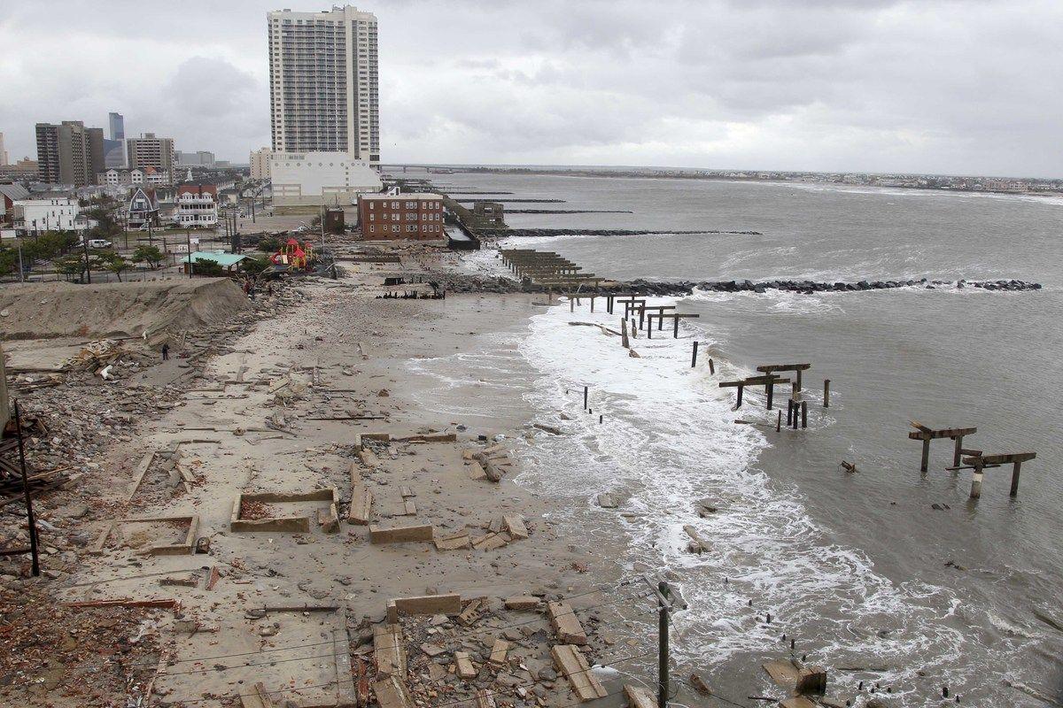 Superstorm Sandy: New York, Northeast Reeling As Death Toll Climbs (LIVE UPDATES)