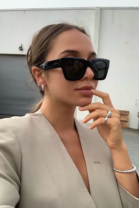 The Top Trending Sunglasses of 2020 | Here are the top 6 trending sunglasses styles! If you're looking to know what popular sunglasses will show up or what cute summer sunglasses you need, check out these 6 styles #trendingsunglasses #popularsunglasses