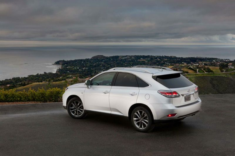 line crafted detail in beach debut lexus rx pebble