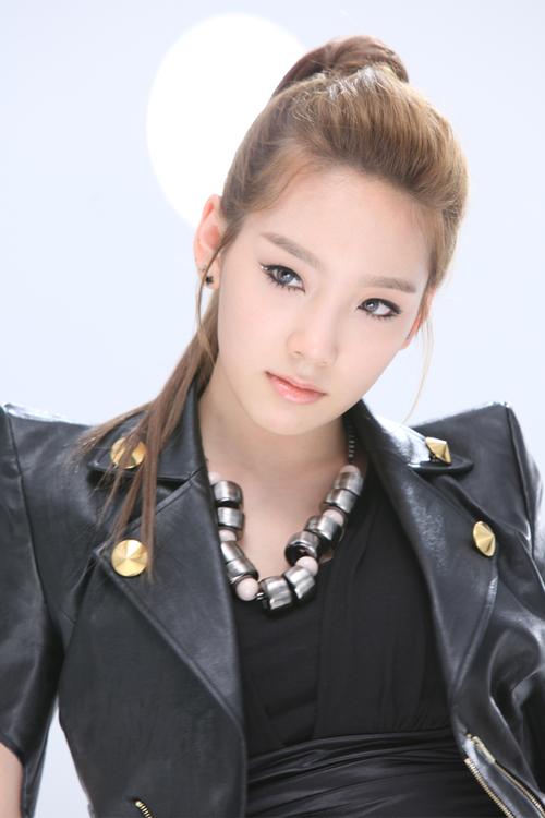 Girls' Generation(소녀시대) - RunDevilRun(런데빌런) - TaeYeon