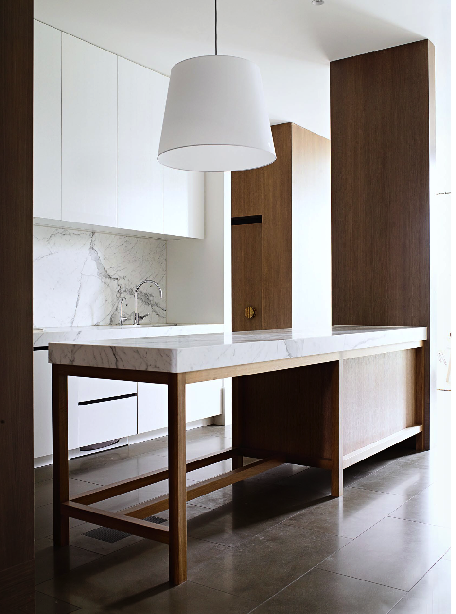 Kitchen wood and white marble