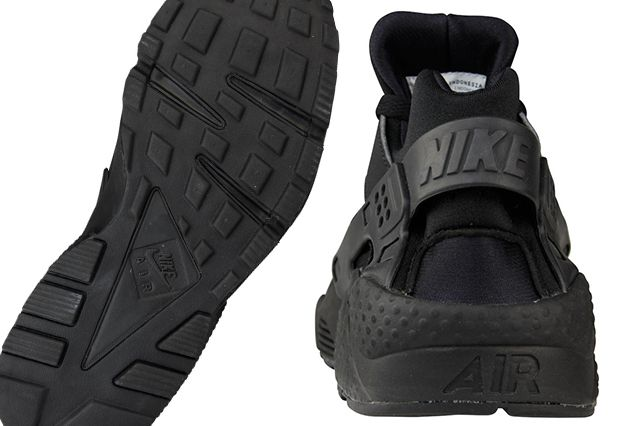 "buy popular 8ef89 fa248 Nike Air Huarache ""Triple Black"""